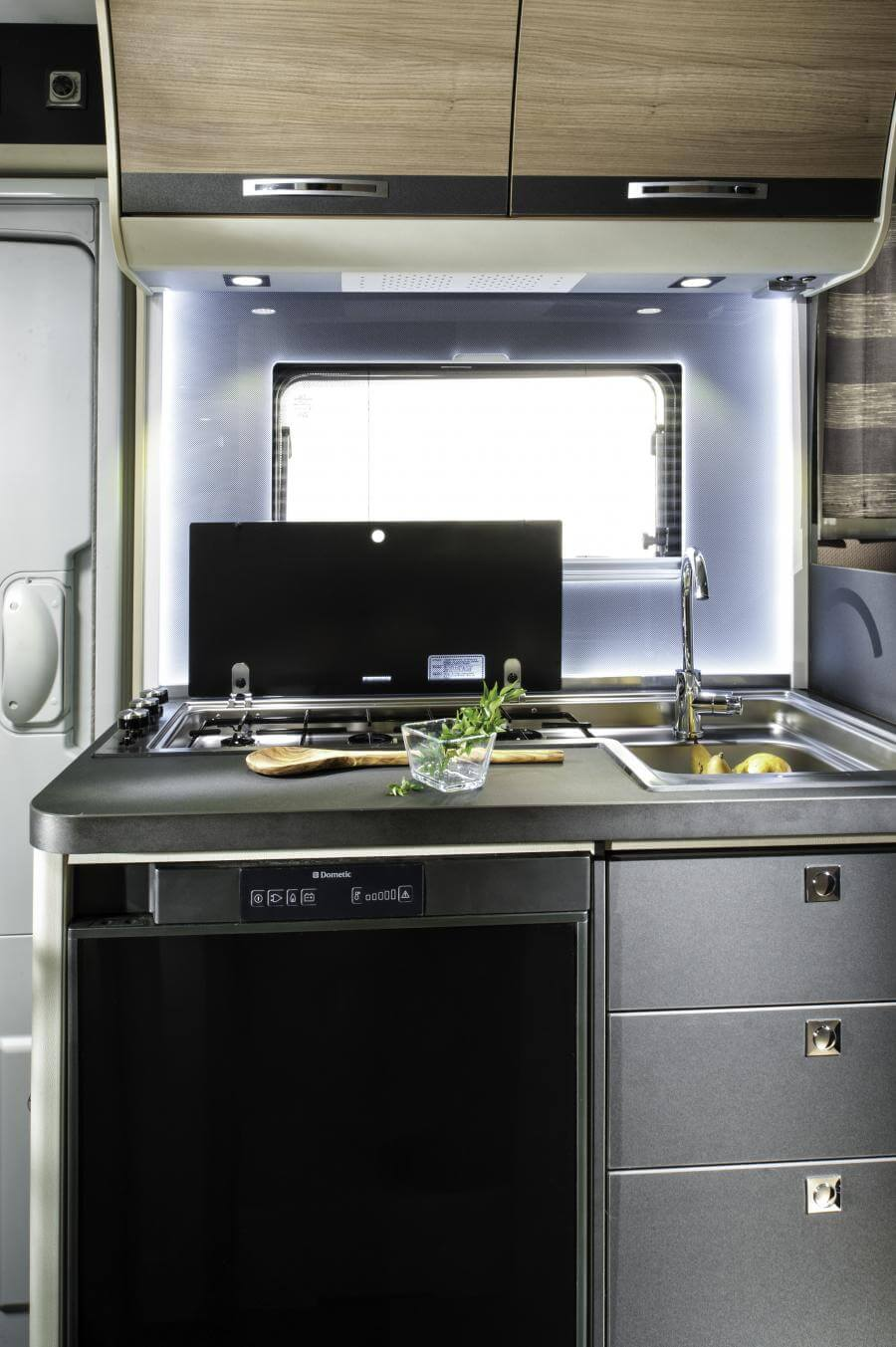No. 10. 5005 Compact Sl Kitchen Jmf 8695