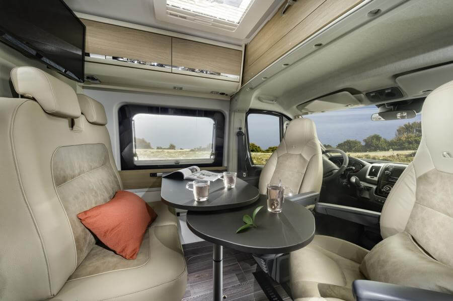 No. 8. 1840 Twin Axess 640 Sl Dinette 4bc6206