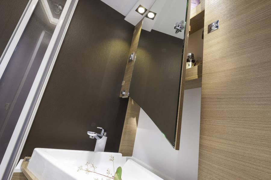 No. 12. 5008 Compact Sl Detail Washbasin Open Jmf 0837