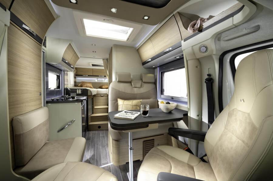 No. 5. 5001 Compact Plus Image Interior Jm40528