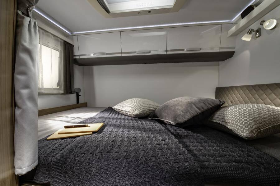 No. 7. 4109 Coral Xl Plus Bed Jm40703