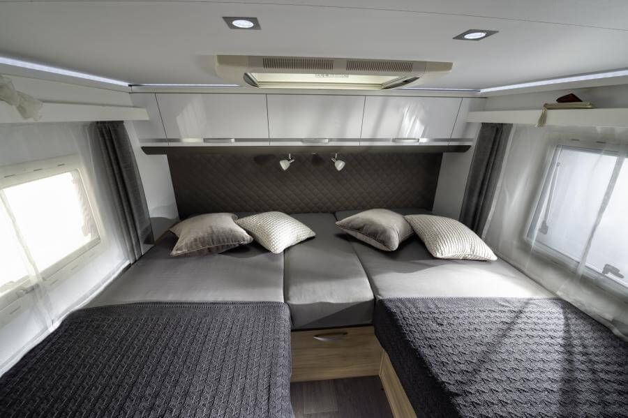 No. 11. 3130 Coral Plus S 670 Dl Separate Bed Jm40865