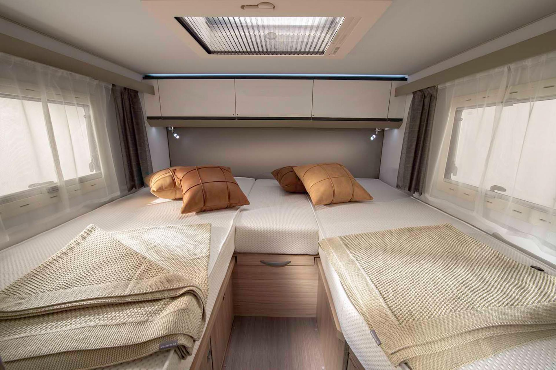 5007 Compact Plus Dl Beds Separate Jm45605